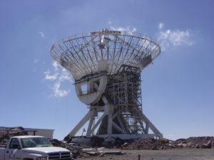 Antena en la Sierra Negra, foto de Edgar Vásquez Cruz