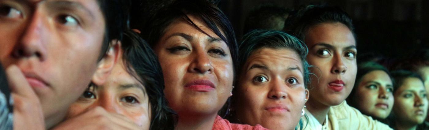 jóvenes milenial y centenial en México